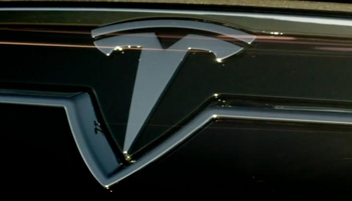 Tesla // 1G